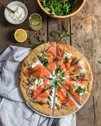 cuisiner saumon fumé pizza au saumon fumé cuisine moi un mouton