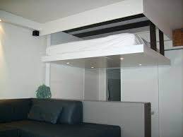 lit armoire canapé un lit escamotable plafond pratique et innovant lit escamotable