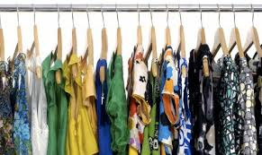 what is the best way to organize the clothing in your closet