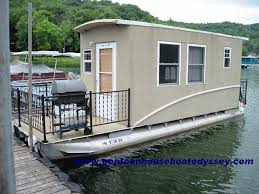 Building Houseboat Pontoon Design