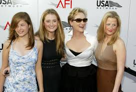 Meryl Streep Home by Meryl Streep And Daughters Cbs Chicago