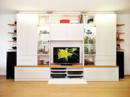 Wohnzimmerschrank Kolonial Wohnwand Mit Kleiderschrank Dekoration Und Interior Design Als