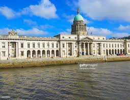 neo classical architecture of the custom house building dublin