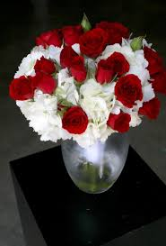 Red And White Centerpieces For Wedding by 53 Best Christmas Images On Pinterest Flower Arrangements