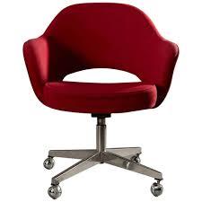 eero saarinen swivel executive armchair for knoll in red at 1stdibs