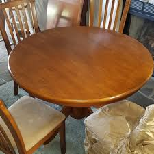 Maple Kitchen Table With Four Chairs  Northern Neck Area Online Site - Maple kitchen table