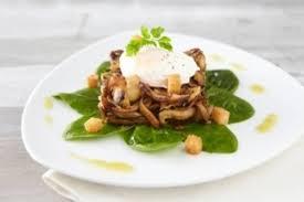pousse pousse cuisine recette de fricassée de chignons pousse d épinard et œuf poché