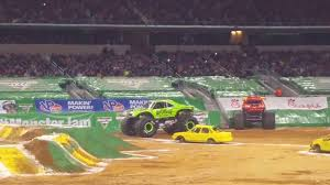 grave digger 30th anniversary monster truck grave digger vs gas monkey garage monster jam 2017 arlington tx