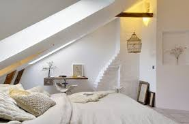 chambre beige et blanc chambre blanche et beige aménagée dans ancien atelier