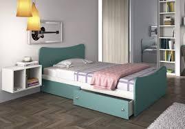 letto cassetti letto contenitore o no i pro e i contro della struttura momento