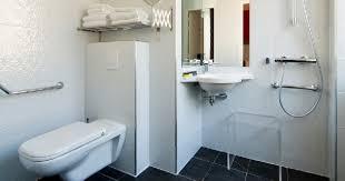 chambre accessible handicapé chambres accessibles pmr hôtel carré vieux port