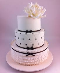 wonderful round wedding cakes wedding cakes