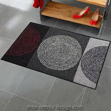 tapis cuisine original une cuisine en longueur avec carrelage comme un tapis tapis pour