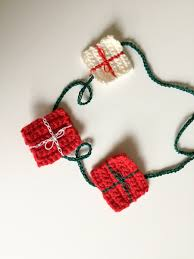christmas wrapping crochet patterns u2022 easy crochet u2022 joy of motion