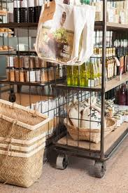 Shelves On Wheels by Best 25 Rolling Shelves Ideas On Pinterest Rolling Shopping