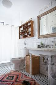 Shelves In Bathrooms Ideas by Best 25 Hipster Bathroom Ideas On Pinterest Brass Bathroom