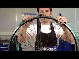 comment changer une chambre à air michelin montage pneu route avec chambre à air