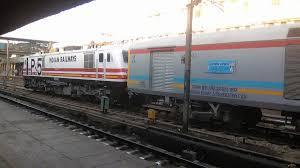 luxury trains of india gatimaan express wikipedia