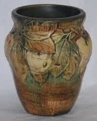 Weller Pottery Vase Patterns Weller Pottery Baldin White Apple Vase For Sale Antiques Com