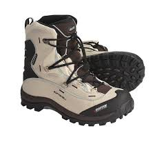 hiking boots s canada reviews baffin snogoose winter boots s reviews mount mercy