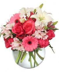 Red Flowers In A Vase Floral Attraction Vase Of Flowers Valentine U0027s Day Flower Shop