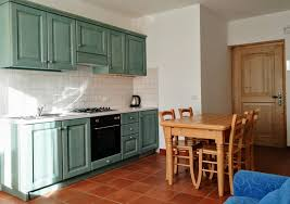 three room apartment for 5 people two bedroom flats 5 beds