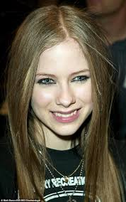 singer avril lavigne 7 wallpapers conspiracy theory that avril lavigne died sweeps internet daily