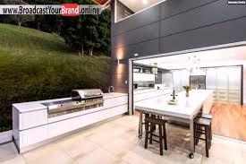 designer küche mit kochinsel kim duffin außen grillplatz youtube