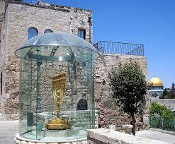 jerusalem menorah the golden menorah a photo from jerusalem yerushalayim trekearth