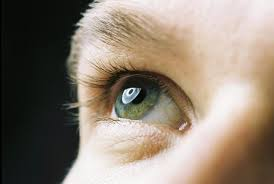 what causes whites of your eye to turn yellow things you didn t