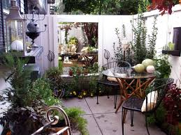 Yard Patio Cozy Intimate Courtyards Hgtv