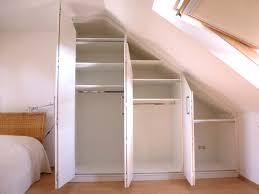 schlafzimmer ideen mit dachschrge falttürenschrank dachschräge möbelschreinerei pyra designmöbel