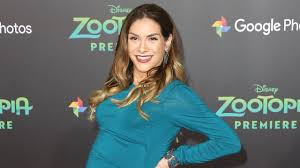 allison holker debuts post baby haircut see her new u0027do