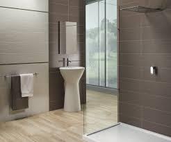 braune badezimmer fliesen ideen kühles braune badezimmer fliesen bad fliesen braun creme
