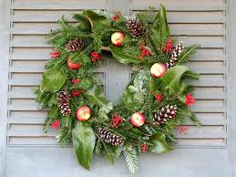 How To Decorate A Christmas Wreath Christmas Wreath Decoration Christmas Wreath Decoration Ideas