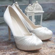 wedding shoes rainbow club the rainbow club wedding shoes manolo blahnik wedding shoes as