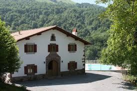 gite 6 chambres hastokixar gîte pour 12 personnes avec 6 chambres à hosta pyrenees