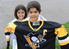 Pittsburgh Penguins Halloween Shirt It Was Just Stunning U0027 Young Penguins Fan Overwhelmed After Puck