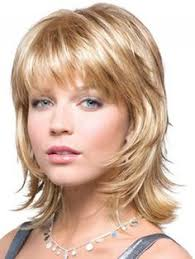 hairstyles for people with large head and jowls best haircut for over 50 woman with jowls and hooded eyelids