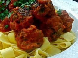 cuisiner des boulettes de viande boulettes de viande à la sauce tomate à l italienne recette ptitchef