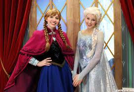 frozen u0027s princess anna queen elsa meet greet norway epcot