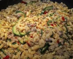 cuisiner viande méli mélo de pâtes courgettes et viande hachée recette de méli