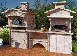 barbecue cuisine d été cuisine d été d extérieur en avec four à et plancha
