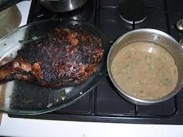cuisiner un cuissot de sanglier cuissot de sanglier au feu de bois un barbecue primitif