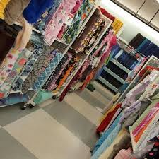 jo fabric and crafts joann fabrics and crafts 19 reviews fabric stores 14350