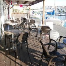 hôtel port à gruissan avec restaurant