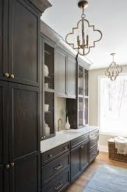 where is the best place to put knobs on kitchen cabinets kitchen decisions where to place your cabinet hardware