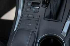 lexus nx bmw x3 2015 bmw x3 xdrive28d против lexus nx 300h стоимость технические