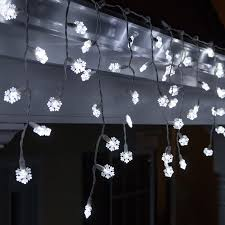 wintergreen lighting 70 light snowflake icicle led light reviews