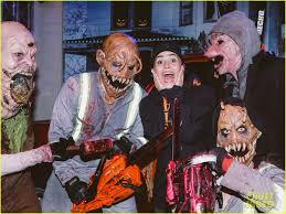 halloween horror nights faq demi lovato u0026 tori kelly look scared at halloween horror nights